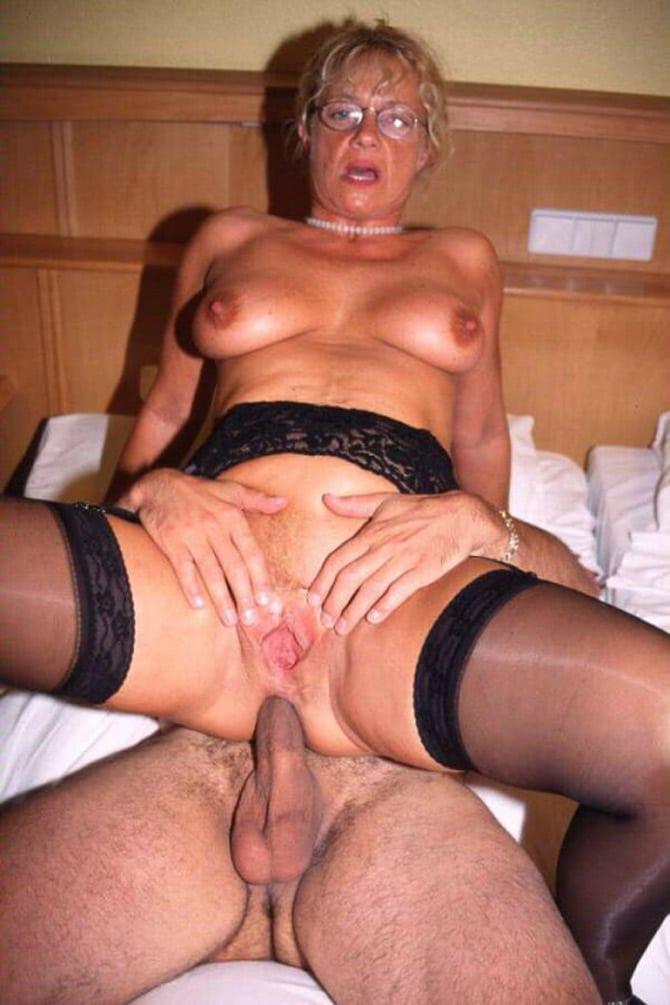 femme mure coquine sodomiser une vieille