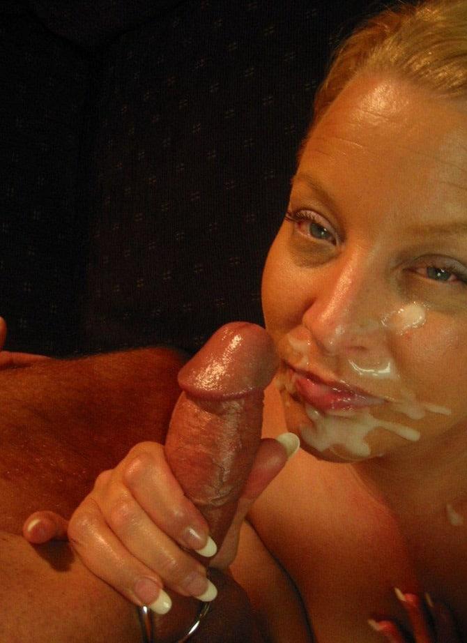 Delphine, suceuse invétérée, sperme sur bouche