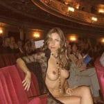 Olga, bonnasse de 40 ans exhib à l'opéra