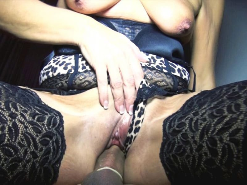 sylvia-blonde-libertine-cambrai-gangbang-club-echangiste-11