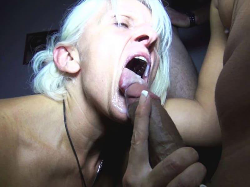 sylvia-blonde-libertine-cambrai-gangbang-club-echangiste-21