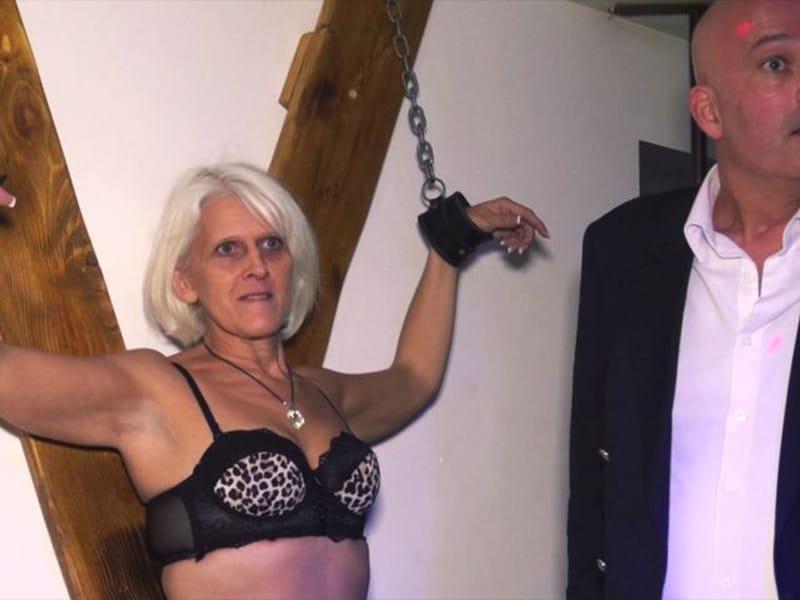 sylvia-blonde-libertine-cambrai-gangbang-club-echangiste-3