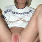 Christelle, femme au foyer grenobloise, se branle le cul