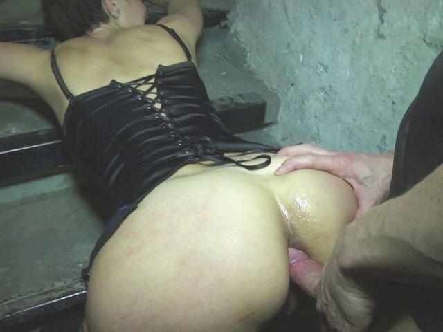 juliette-veterinaire-brest-rousse-sodomie-cave-jacquie-et-michel-5