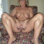 Olivia, femme au foyer super bonnasse et nue