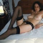 Karen, Milf de 38 ans, sexy, gros seins avec une belle chatte poilue