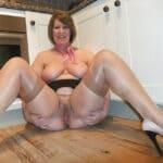 Grosses femmes nues qui jouisse