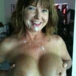 Rachel, mature à gros seins d'Auxerre, contente de son éjac faciale