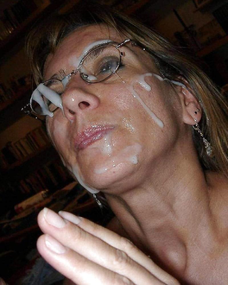 ejac faciale pour une femme cougar