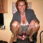 Violaine, femme au foyer d'Aulnay-sous-Bois, se gode la chatte