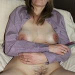 Beatrice, femme divorcée parisienne avec une chatte bien poilue