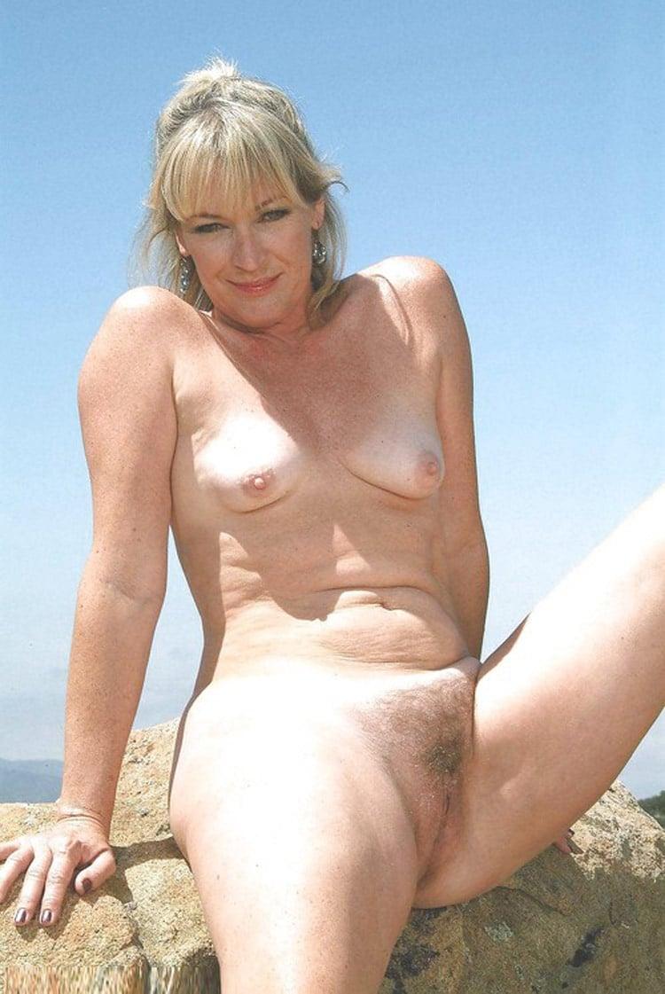 Germaine, blondasse grassouillette chaude de Montpellier