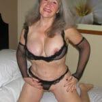 Maguy, vieille nympho à gros seins pour du sexe au Havre