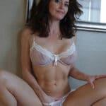 Margaux, mature brune sensuelle et open au sexe