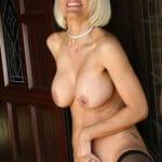 Mireille, mature blonde sexy, de 56 ans, 100% chaude
