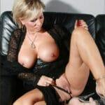Sergine, milf blonde à gros seins, de Tours, a de gros besoins sexuels