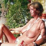 Yolande, vieille hippie naturiste d'Arles