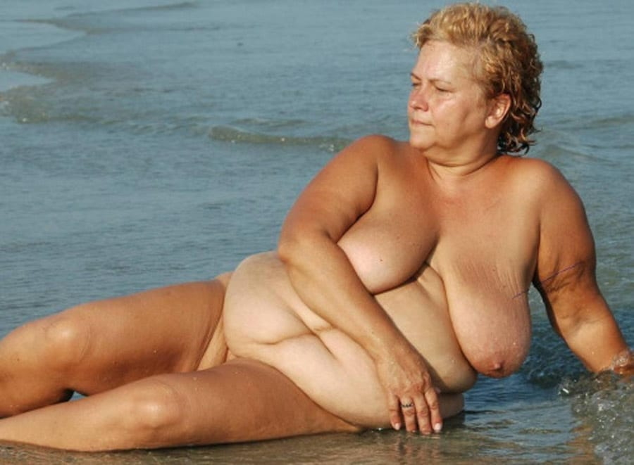 jeune salope au gros seins la plage des salopes
