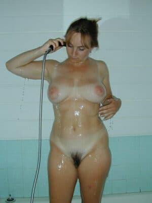 photo femme pute pulpeuse nue