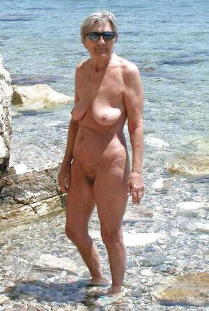 femme mature naturiste mamie chaudasse