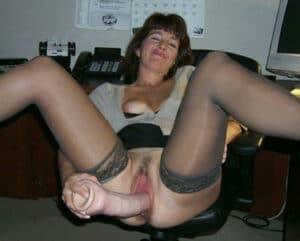 Femme nue ronde qui a baise