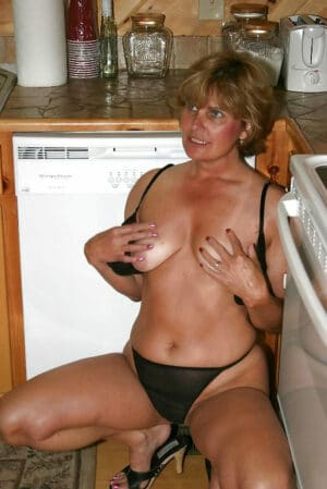 30 garces a gros seins se presentent a vous en images - 1 part 4