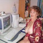 Bernadette, mamie cochonne à grosses loches en webcam