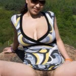 Camélia, brune pulpeuse de 39 ans avec une grosse touffe