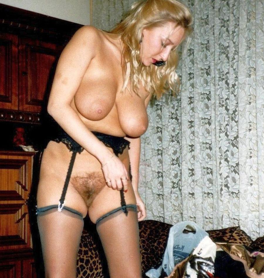 Blondasse sexy en lingerie sodomise 7