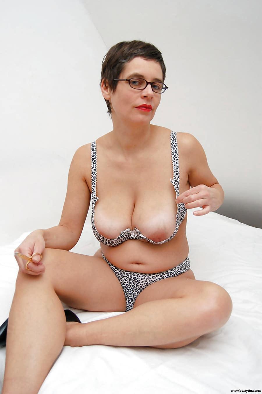 femme a lunette salope mature salop