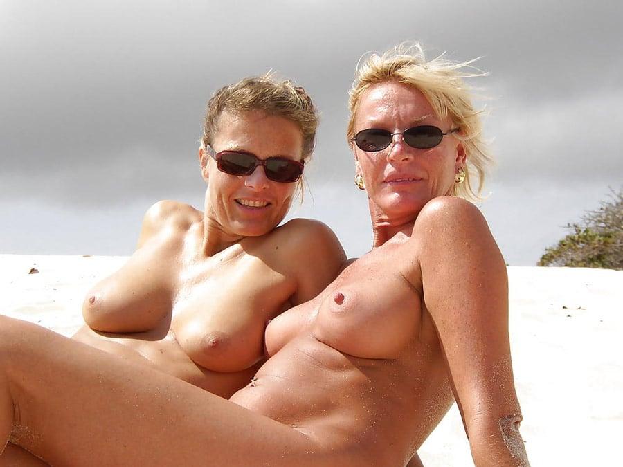 bonne salope poilue milf a la plage