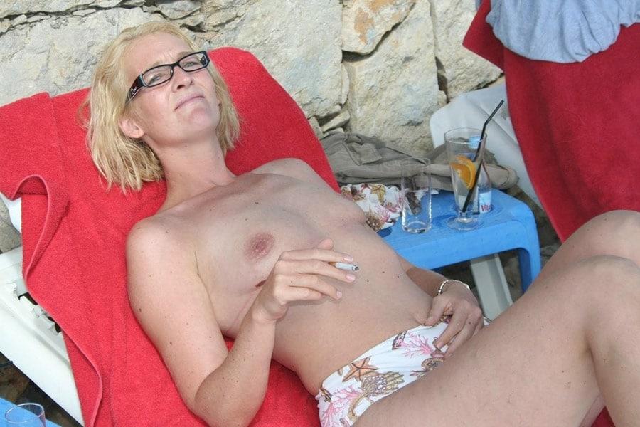 sexe vieille salope milf petits seins