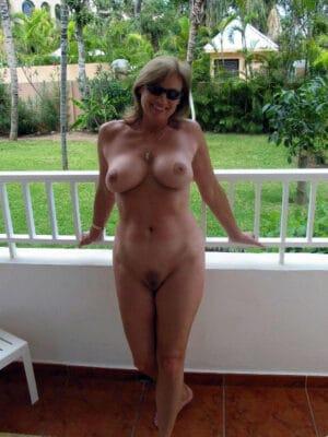 maryse-bombe-sexuelle-52ans-trop-chaude