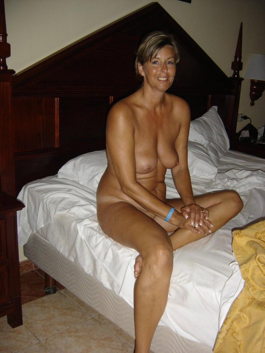 Moms Pics Amateur Naked