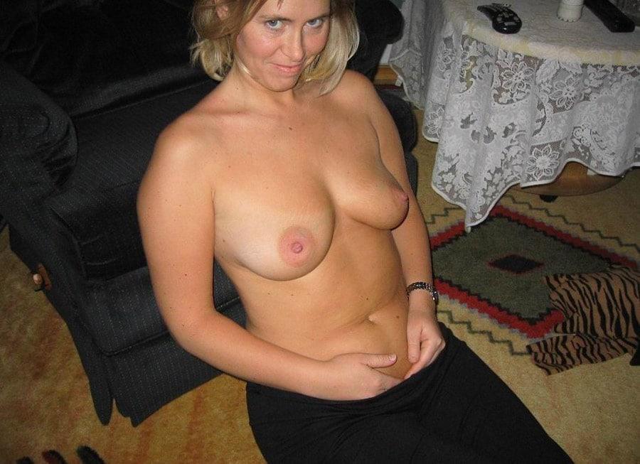 Adult model for amateur photo