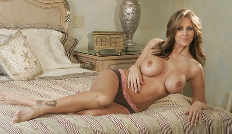 Watch Sexy Cougar Milf Webcam Masturbation
