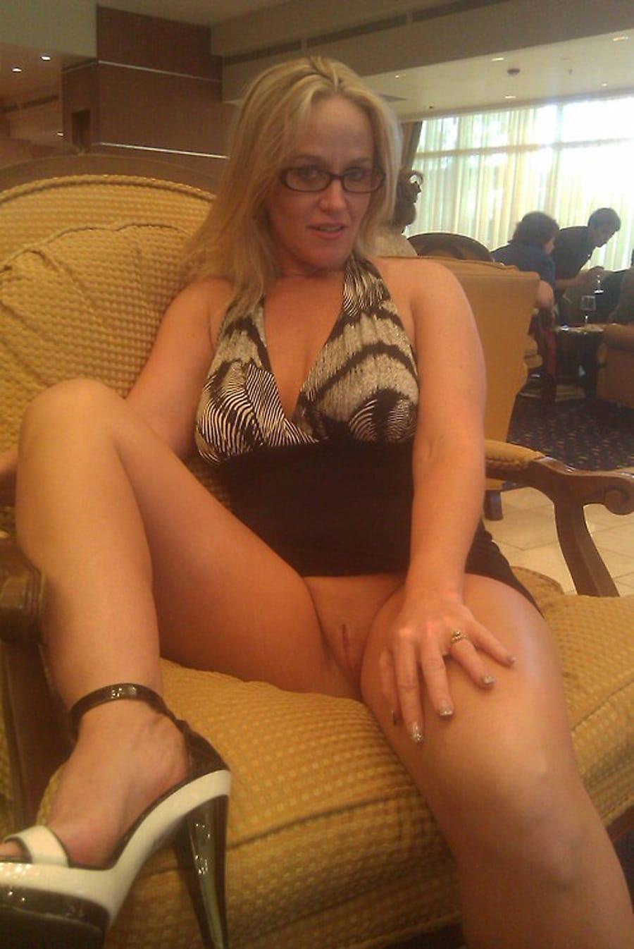 femmes a lunettes milf nues amateur