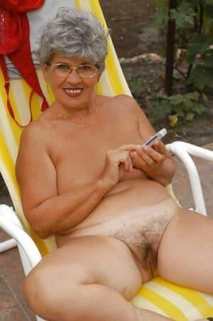 femme salope nue vieille femme à poil