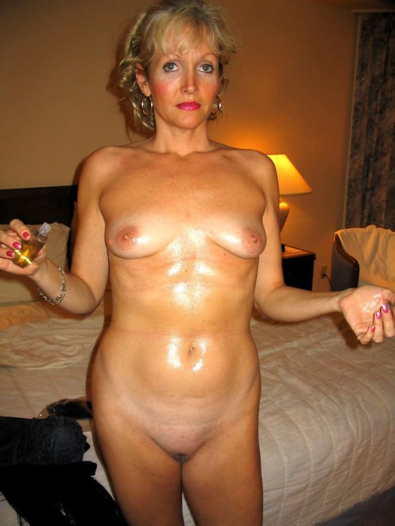 femme bourgeoise nue trouver pute marseille