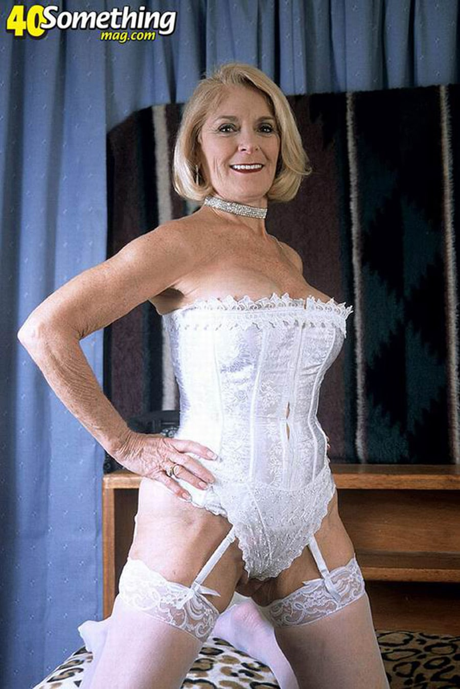 vieille a gros seins escort girl chantilly