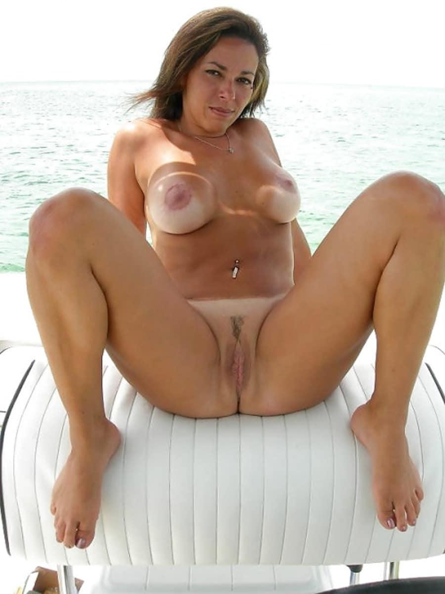 fliquette salope femme nue naturiste