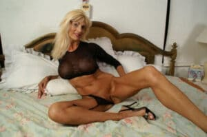 Nue mature blonde belle femme
