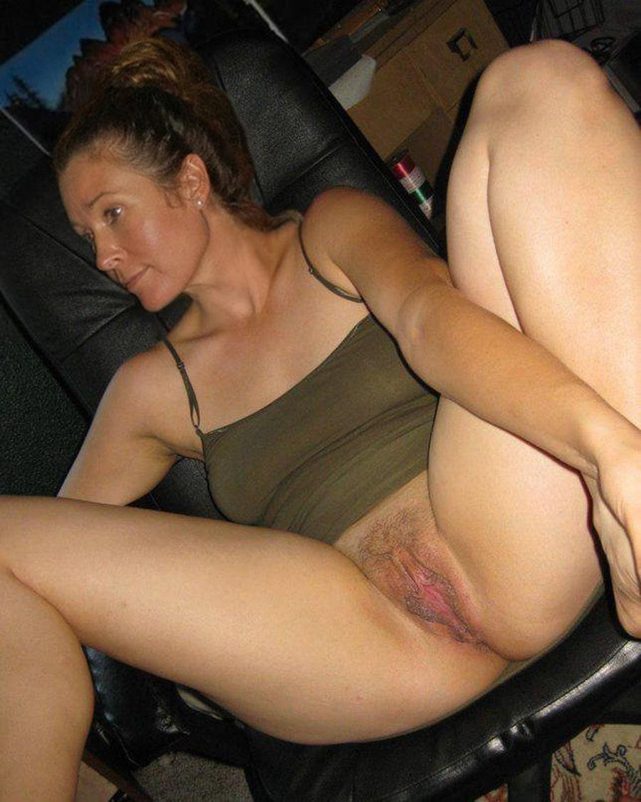 femme poilue se masturbe salope traduction