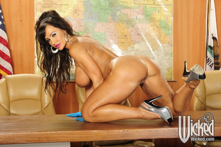 Lisa Ann Busty Invaders from Mars photo 10