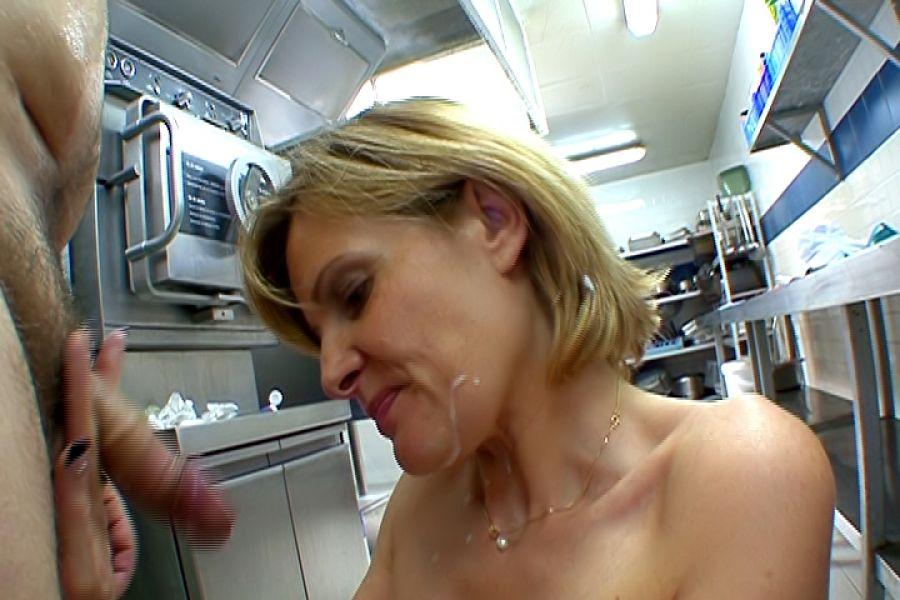 Docteur Florence baise cuisine Jacquie et Michel 17