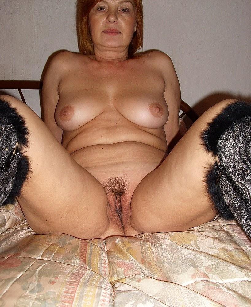 Régine, rombière à la foufe poilue