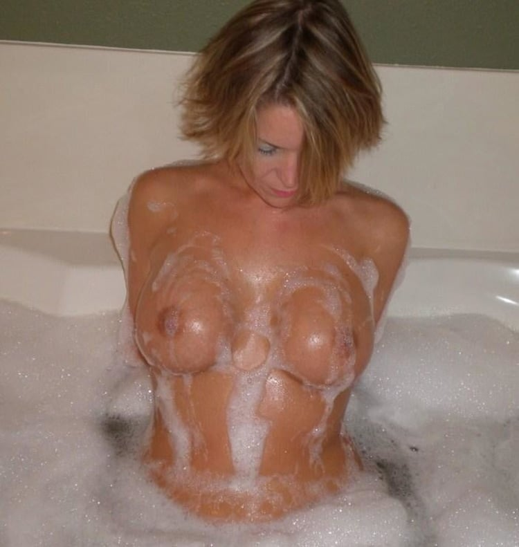 Babeth salope infidèle gros seins 5