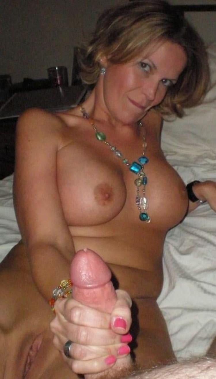 Babeth salope infidèle gros seins 8