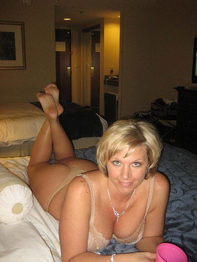 Aline, mature célibataire très sexuelle