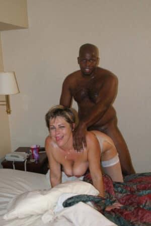 Françoise aime se faire piner un black